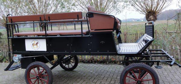Nieuwe Wagen voor Stichting paardrijden gehandicapten
